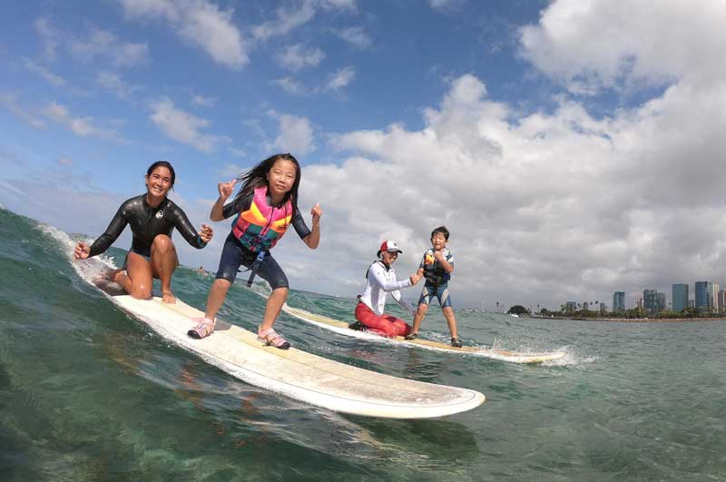 Surfer Girl Academy surf school - Keiki Lesson